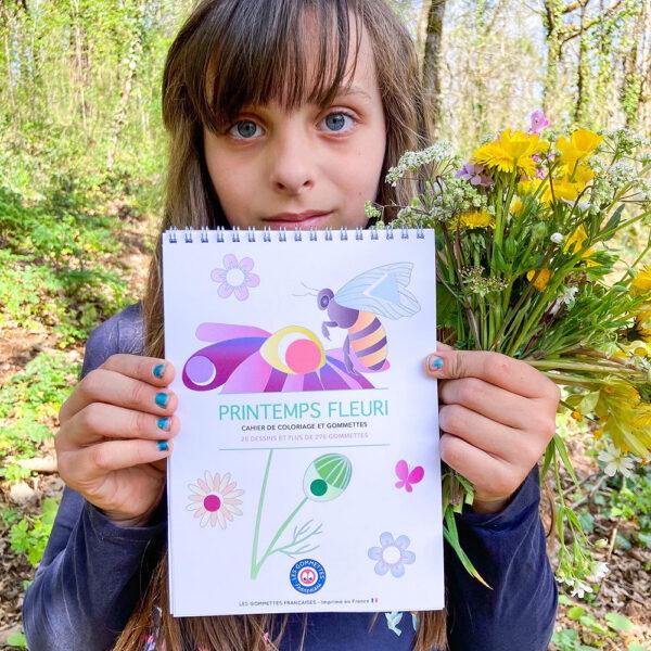 Cahier de coloriage et gommettes Printemps Fleuri